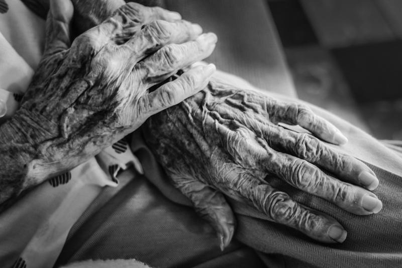 Las manos de Mamina son luz_KatYurchenko